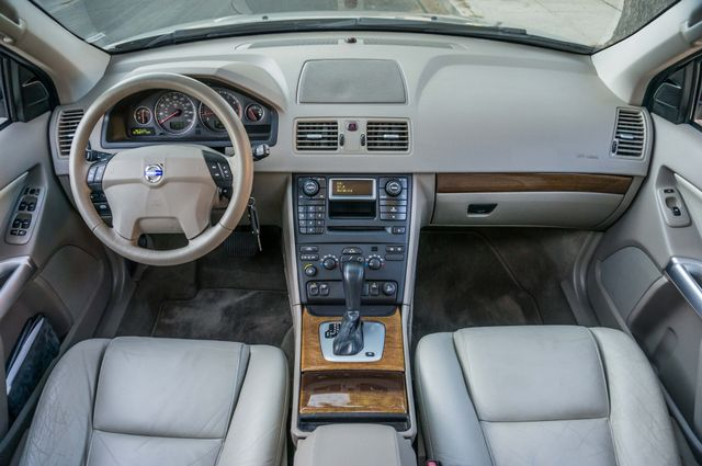 2005 Volvo XC90  AUTO  - 103K MILES - 3RD ROW - SUNROOF - 1-OWNER Reseda, CA 16