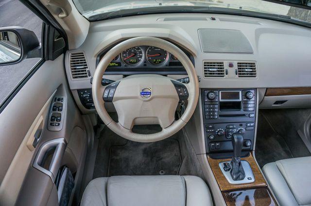2005 Volvo XC90  AUTO  - 103K MILES - 3RD ROW - SUNROOF - 1-OWNER Reseda, CA 17