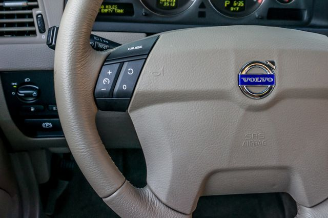 2005 Volvo XC90  AUTO  - 103K MILES - 3RD ROW - SUNROOF - 1-OWNER Reseda, CA 18