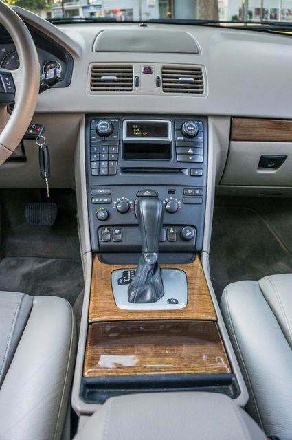 2005 Volvo XC90  AUTO  - 103K MILES - 3RD ROW - SUNROOF - 1-OWNER Reseda, CA 21