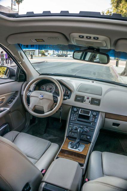 2005 Volvo XC90  AUTO  - 103K MILES - 3RD ROW - SUNROOF - 1-OWNER Reseda, CA 35