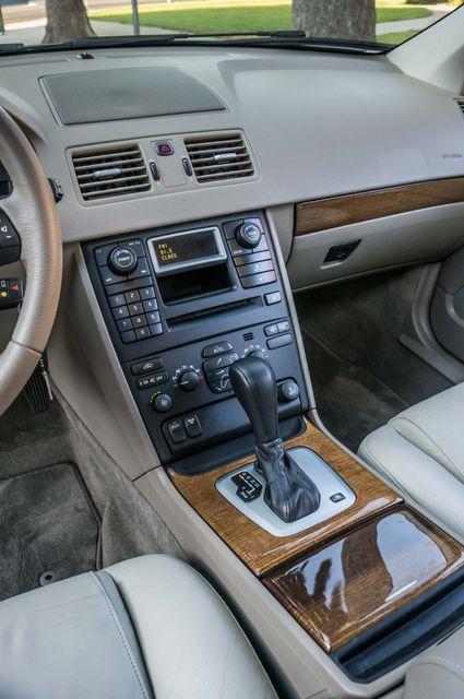 2005 Volvo XC90  AUTO  - 103K MILES - 3RD ROW - SUNROOF - 1-OWNER Reseda, CA 22