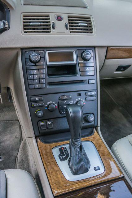 2005 Volvo XC90  AUTO  - 103K MILES - 3RD ROW - SUNROOF - 1-OWNER Reseda, CA 24