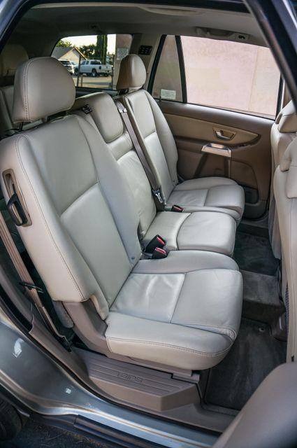 2005 Volvo XC90  AUTO  - 103K MILES - 3RD ROW - SUNROOF - 1-OWNER Reseda, CA 30