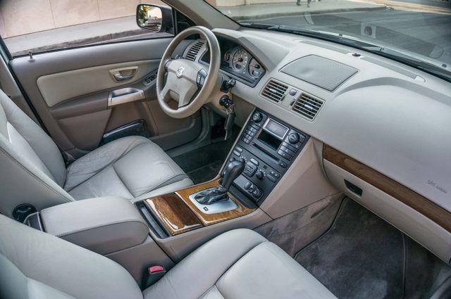 2005 Volvo XC90  AUTO  - 103K MILES - 3RD ROW - SUNROOF - 1-OWNER Reseda, CA 32