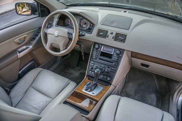 2005 Volvo XC90  AUTO  - 103K MILES - 3RD ROW - SUNROOF - 1-OWNER Reseda, CA 33