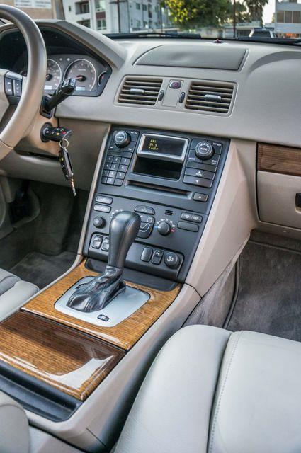 2005 Volvo XC90  AUTO  - 103K MILES - 3RD ROW - SUNROOF - 1-OWNER Reseda, CA 20