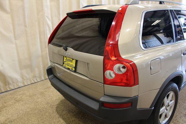 2005 Volvo XC90 AWD Roscoe, Illinois 3