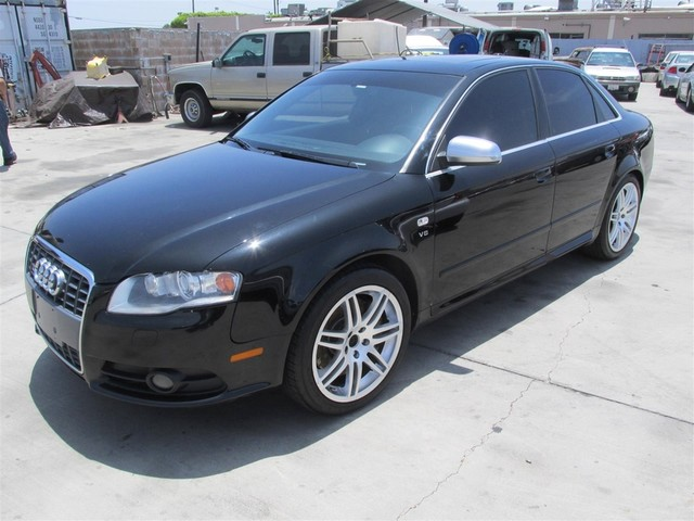 2006 Audi S4 This vehicle has a known transmission issue the transmission has been removed at thi