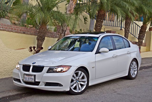 2006 BMW 325i SPORTS PKG AUTOMAIC ONLY 69K MLS  XENON ALLOY WHLS LEATHER Woodland Hills, CA 1
