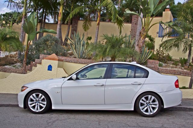 2006 BMW 325i SPORTS PKG AUTOMAIC ONLY 69K MLS  XENON ALLOY WHLS LEATHER Woodland Hills, CA 2