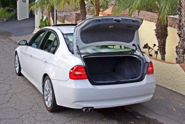 2006 BMW 325i SPORTS PKG AUTOMAIC ONLY 69K MLS  XENON ALLOY WHLS LEATHER Woodland Hills, CA 24