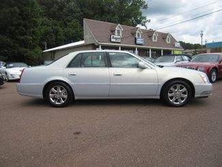 2006 Cadillac DTS w/1SC Batesville, Mississippi 1