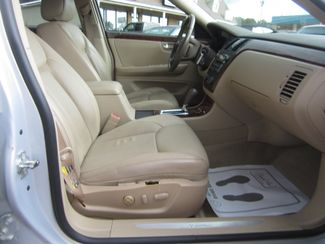 2006 Cadillac DTS w/1SC Batesville, Mississippi 32