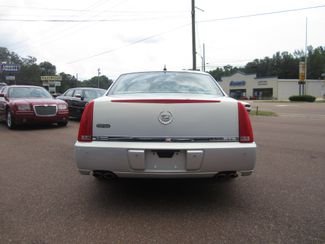2006 Cadillac DTS w/1SC Batesville, Mississippi 5
