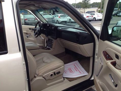 2006 Cadillac Escalade ESV Platinum Edition | Myrtle Beach, South Carolina | Hudson Auto Sales in Myrtle Beach, South Carolina