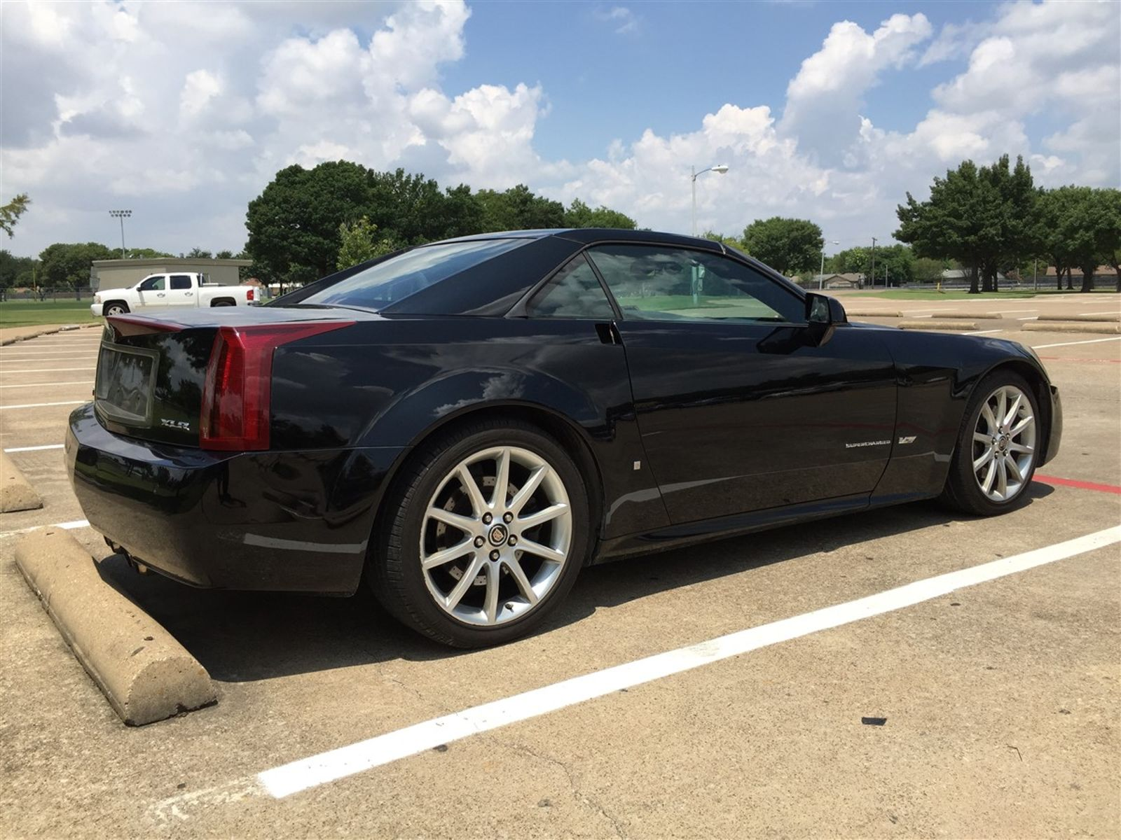 parkers review v cadillac sale for roadster xlr