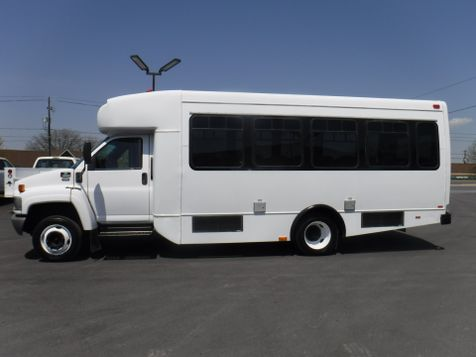2006 Chevrolet C5500 24 Passenger Shuttle Bus in Ephrata, PA
