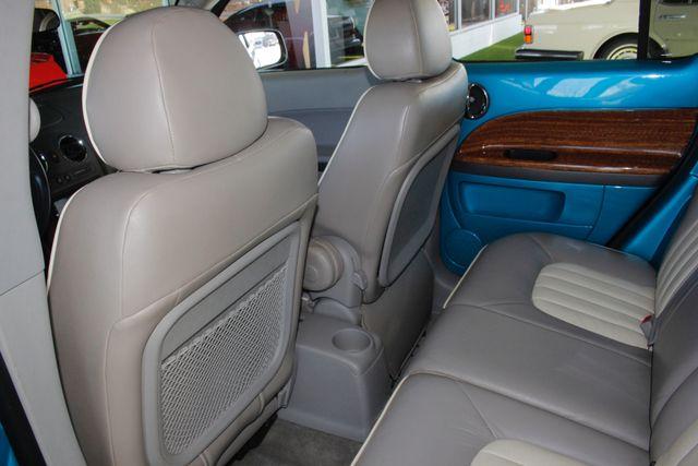 2006 Chevrolet HHR LT - GODFATHERS CUSTOMS - LAMBO DOORS! Mooresville , NC 43