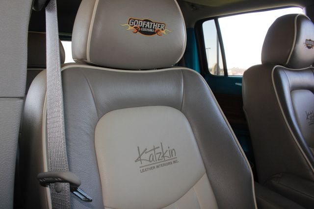 2006 Chevrolet HHR LT - GODFATHERS CUSTOMS - LAMBO DOORS! Mooresville , NC 41