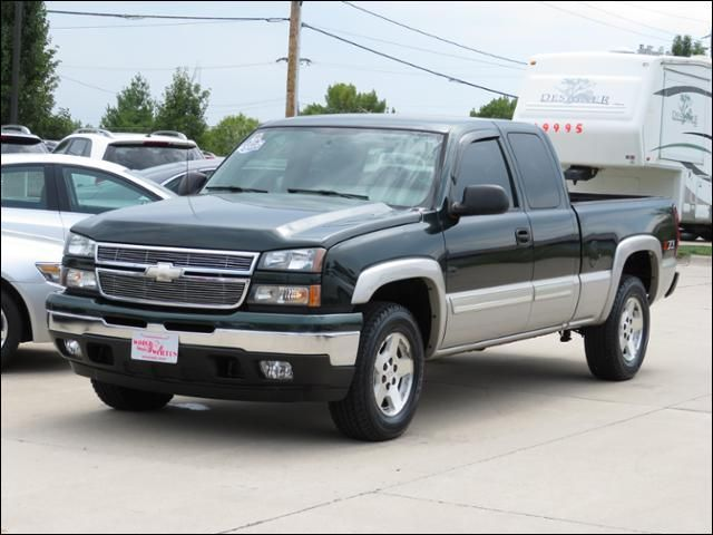 2006 Chevrolet Silverado 1500 4WD LT Z71 Leather/Bose in Des Moines IA