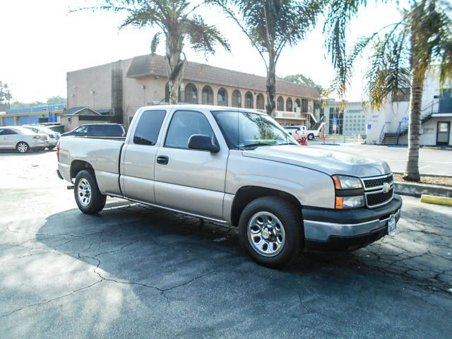 2006 Chevrolet Silverado 1500 LS Limited warranty included to assure your worry-free purchase Aut
