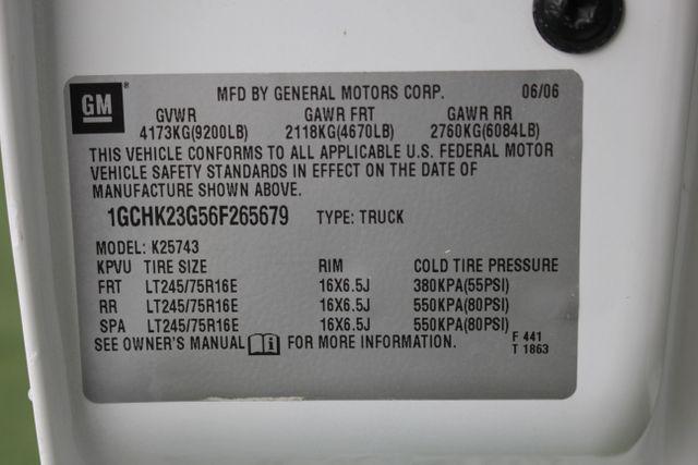 2006 Chevrolet Silverado 2500HD LT2 Crew Cab 4x4 - 8.1L BIG BLOCK V8! Mooresville , NC 38