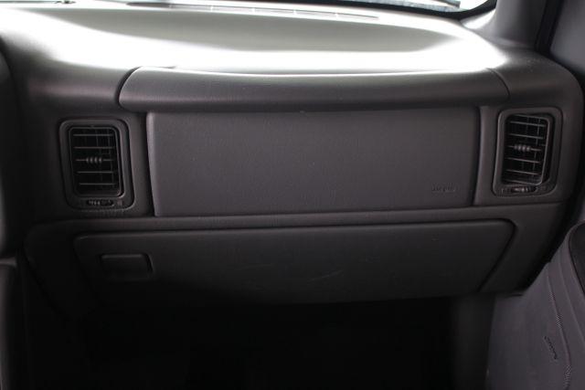 2006 Chevrolet Silverado 2500HD LT2 Crew Cab 4x4 - 8.1L BIG BLOCK V8! Mooresville , NC 5