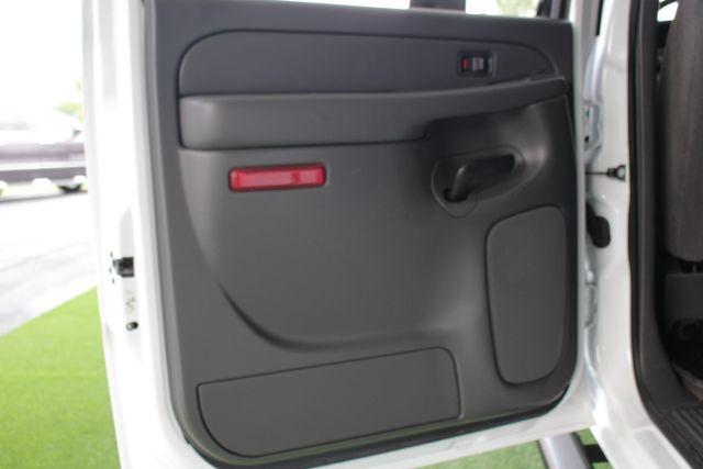 2006 Chevrolet Silverado 2500HD LT2 Crew Cab 4x4 - 8.1L BIG BLOCK V8! Mooresville , NC 35