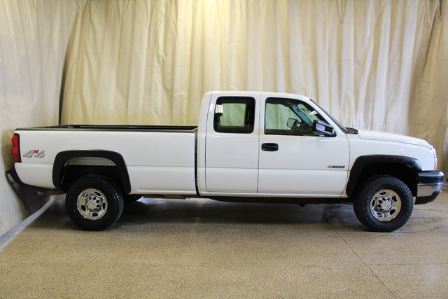 2006 Chevrolet Silverado 3500 Long Bed 8.1L Roscoe, Illinois 1
