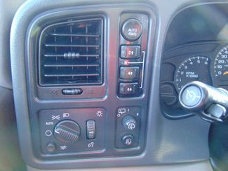 2006 Chevrolet Suburban LT w/ Moon Roof & DVD Alexandria, Minnesota 16
