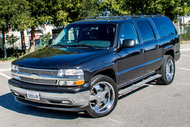 "2006 Chevrolet Suburban LS - 107K MILES - 20"" WHLS - TOW PKG - 3RD ROW Reseda, CA 1"