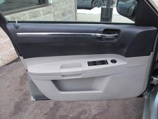 2006 Chrysler 300 Touring Milwaukee, Wisconsin 8
