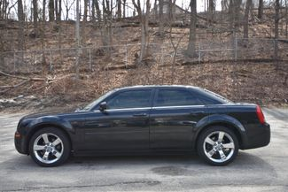 2006 Chrysler 300 Naugatuck, Connecticut 1