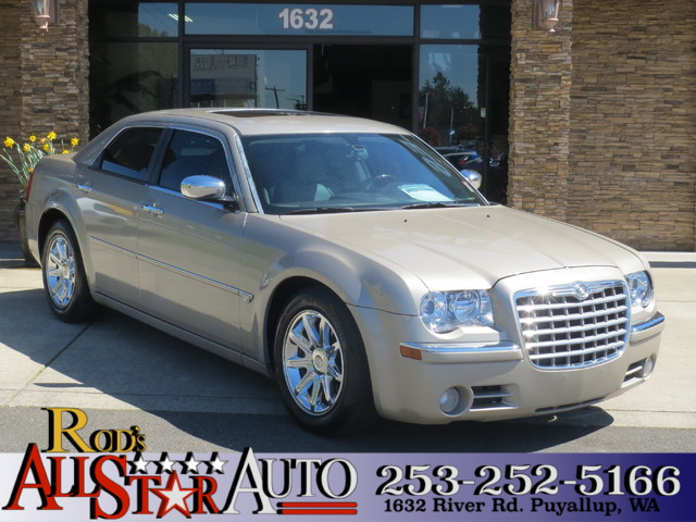 2006 Chrysler 300 C The CARFAX Buy Back Guarantee that comes with this vehicle means that you can