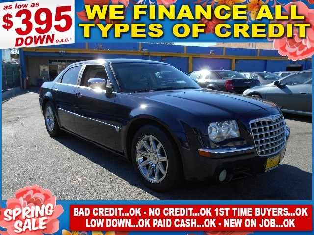 2006 Chrysler 300 C Limited warranty included to assure your worry-free purchase AutoCheck report