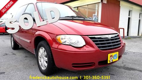 2006 Chrysler Town & Country Touring in Frederick, Maryland