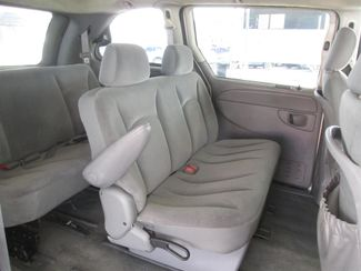 2006 Chrysler Town & Country Gardena, California 11