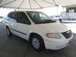 2006 Chrysler Town & Country Gardena, California 3