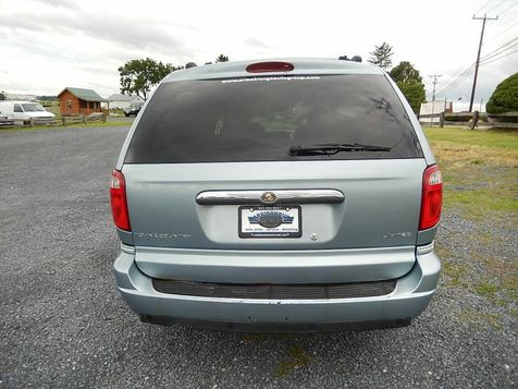 2006 Chrysler Town & Country Limited | Harrisonburg, VA | Armstrong's Auto Sales in Harrisonburg, VA
