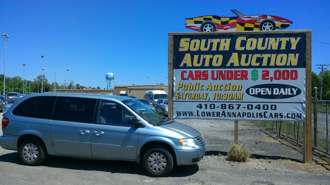 2006 Chrysler Town & Country LX in Harwood, MD
