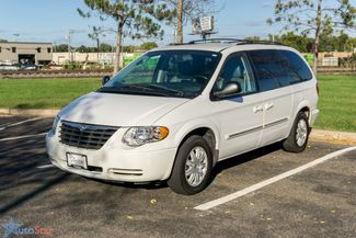 2006 Chrysler Town & Country Touring Maple Grove, Minnesota 1