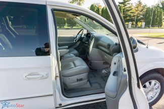 2006 Chrysler Town & Country Touring Maple Grove, Minnesota 17