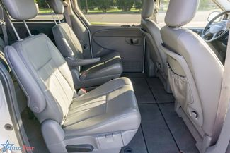 2006 Chrysler Town & Country Touring Maple Grove, Minnesota 25