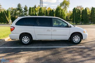 2006 Chrysler Town & Country Touring Maple Grove, Minnesota 9