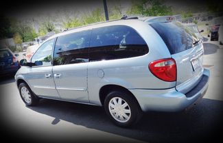 2006 Chrysler Town & Country Touring Minivan Chico, CA 5