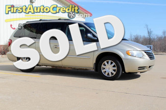 2006 Chrysler Town & Country in Jackson  MO