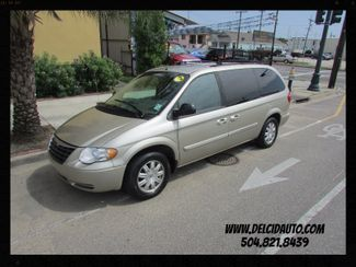 2006 Chrysler Town & Country Touring, WheelChair Lift! Leather! Clean CarFax! New Orleans, Louisiana