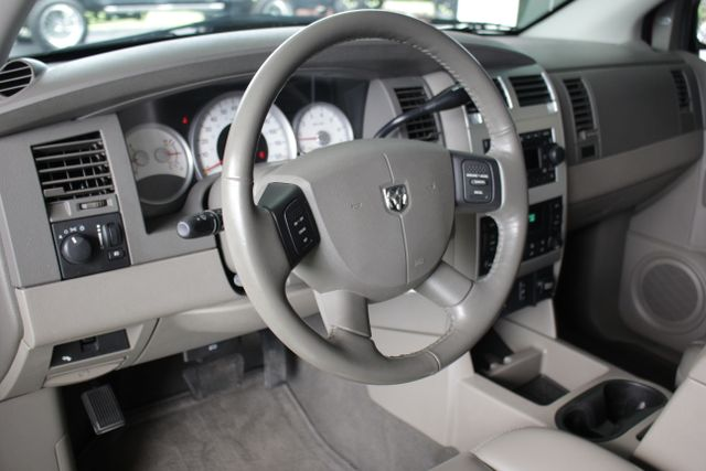 2006 Dodge Durango Limited RWD - HEMI - REAR DVD - SUNROOF! Mooresville , NC 30