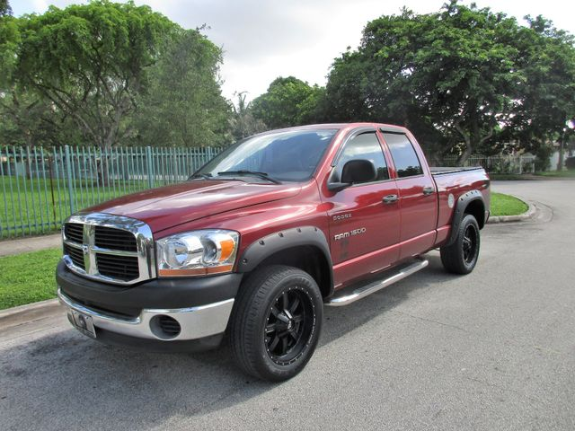 2006 Dodge Ram 1500 ST Come and visit us at oceanautosalescom for our expanded inventoryThis off